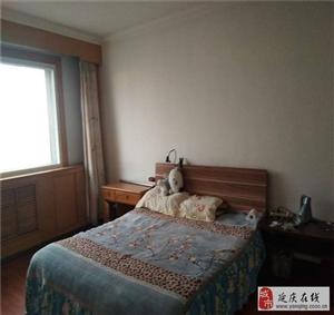 新兴小区~好楼层3居~便宜出售~看房方便