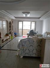 江滨二期3室3厅2卫135万元