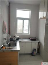 人民医院旁边新装修小三室