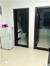 鑫城苑1楼精装2室1厅1卫68平米1300元/月