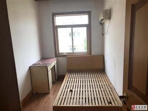 胜利新寓小区3室1厅1卫4100元/月