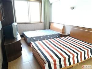 超德升3室0厅1卫1400元/月