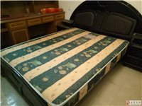 床床垫床头柜