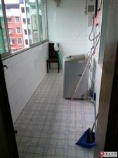 花灯广场附近3室2厅1卫12800元/年