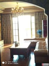 中央豪庭4室2厅2卫75万元关门卖