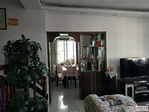 龙塘湾步梯3室2厅1卫31.2万元关门出售