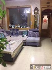 河东小区精装3室带家具家电,带小房,43万元