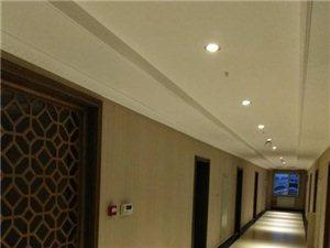 售威尼斯娱乐人民医院附近今年新楼多层80平
