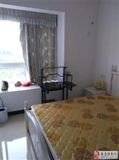 奥园A区新装修3室2厅2卫2300元/月出租中