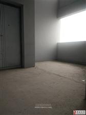 花灯广场清水5室2厅3卫224平90万有证可按揭