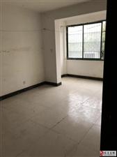 隆达花园小区4室2厅1卫60万元