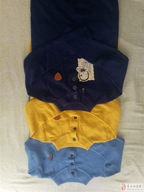 低价出售品牌童装针织衫