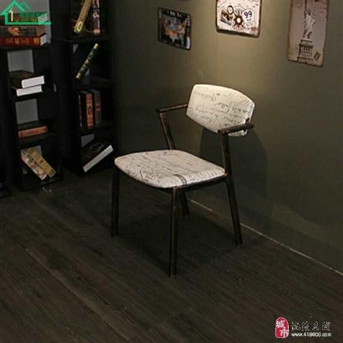 九成新沙发桌椅转卖