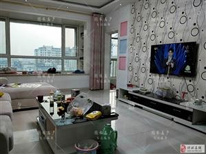 锦绣城134�O+储藏室,精装,随时过户。惊爆价!