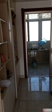 上海世家精装三室证出两年仅售95万