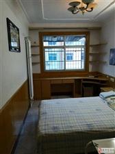 迎宾公寓3室2厅1卫1200元/月