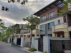 海南省儋州雅拉湖畔4室2厅4卫430万元