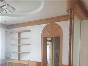 老王府附近3室2厅130平精装带家具空调