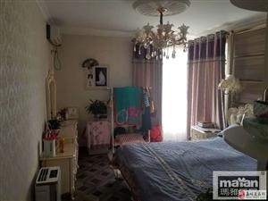 豪装阳光金水湾3室2厅1卫145万元