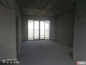 亚澜湾4室2厅2卫106万元