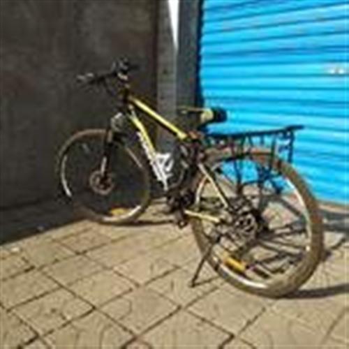 出售一辆山地自行车