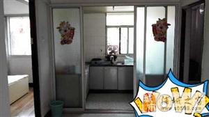 上青岭附近,4楼,2房1厅1厨1卫,家具家电都有