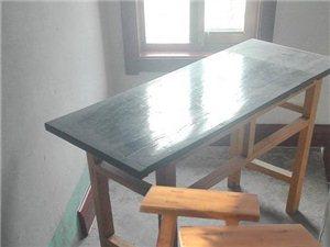 处理木质学习课桌、凳子多套价格优惠