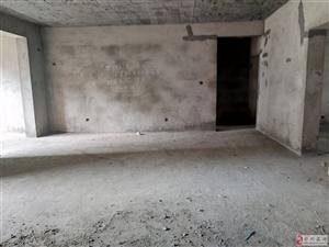 急售御豪庭136平三室两厅