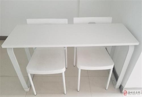 高档课桌椅出售