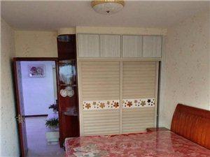 龙门佳苑3室2厅1卫2200元/月
