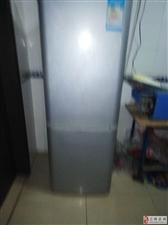 8成新海尔冰箱