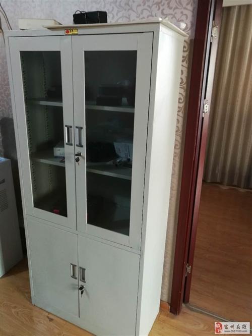 出售9成新办公桌、文件柜