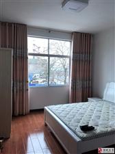 永辉附近,2楼,单间带单独卫生间,有床,衣柜,热水