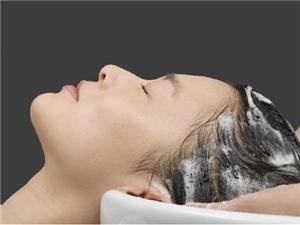 生活中如何养护头皮防止脱发