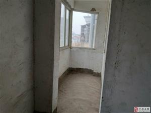 公路局小区3室2厅1卫25万元顶楼送阁楼