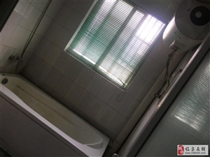 百盛天泉明珠150㎡底楼层包物业1500元/月