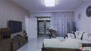 地球村一楼带小院.134.26平米跨厅三室两厅两卫