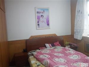 华夏新村三层独户5室4厅2卫125万元
