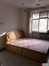 百货小区家属楼2室2厅1卫830元/月