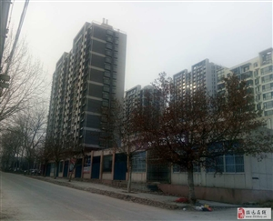 5285龙湖一品3楼142平米毛坯房62万元