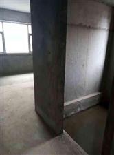 学区房4室2厅2卫37万元
