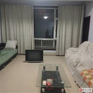 北海明珠4室1600元/月多层2楼有车库