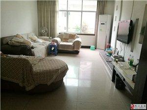 南海城附近140平精装4室2厅套房出租,拎包入住!