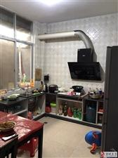 实验附近花园弄,民房1楼,2房1厨1卫,有热水器