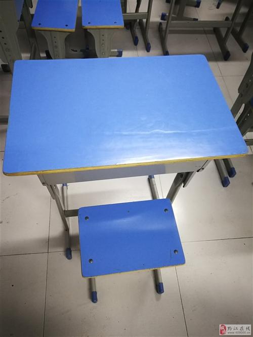 学生课桌、折叠桌出售
