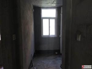 天明城4室136万元带150地下室和20平花园 带车位