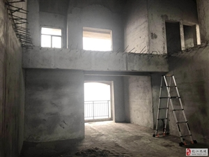 奥美花园5室3厅2卫84万元