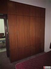 实验中学校内3室2厅1卫28万元
