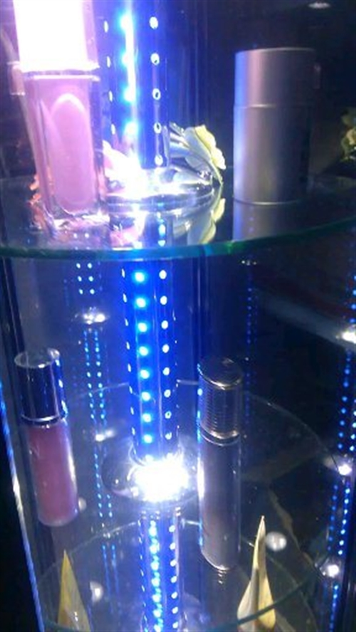 9成新电动高端展示柜钛合金