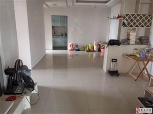 香樟豪庭简装3室2厅1卫45万元